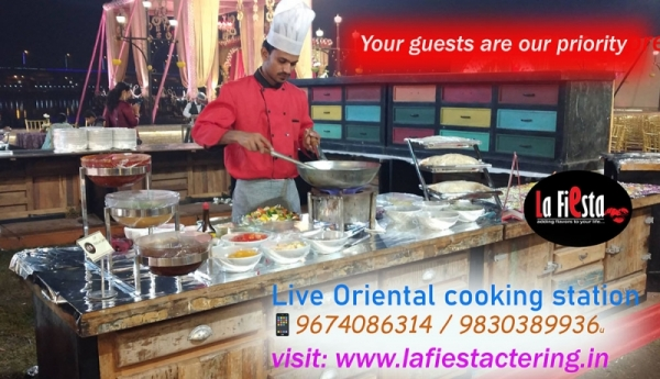 Live Oriental Cooking counter