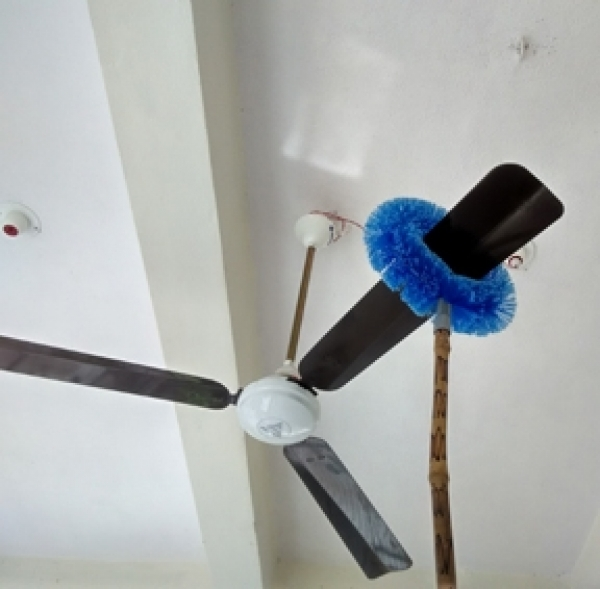 Ceiling fan cleaner / duster / round brush
